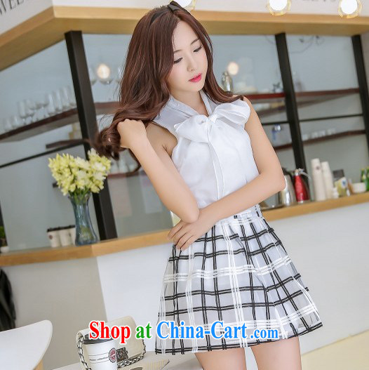 Korean small incense, the root yarn sleeveless Bow Tie T-shirt embroidery Plaid Short skirt two piece model 7043 white S