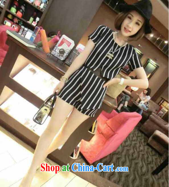 The European site the latest stylish casual simplicity personalized striped beauty T-shirt shorts set 282 white are code